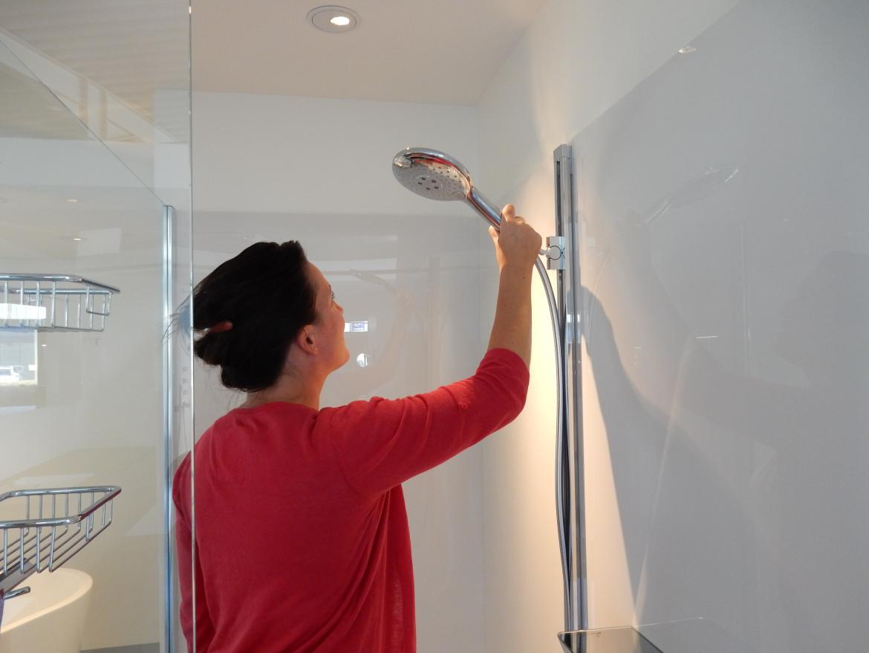 Acrylplaten: ideaal als douchewand in je badkamer! | Davy Quintyn
